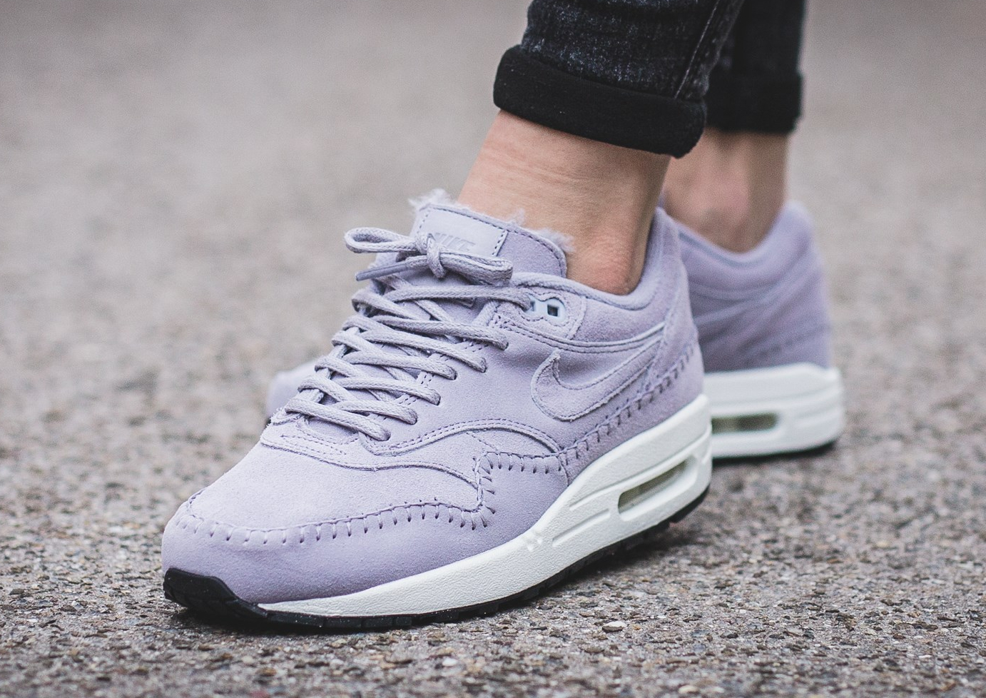 nike-wmns-air-max-1-prm-sherpa-provence-purple